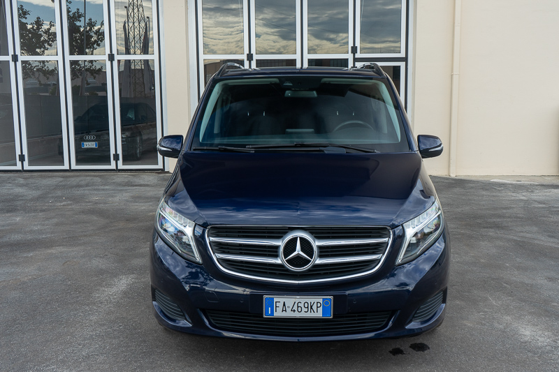 MERCEDES-BENZ V 220 Long